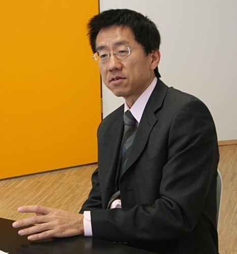 Alex Lee im Gespräch mit invidis