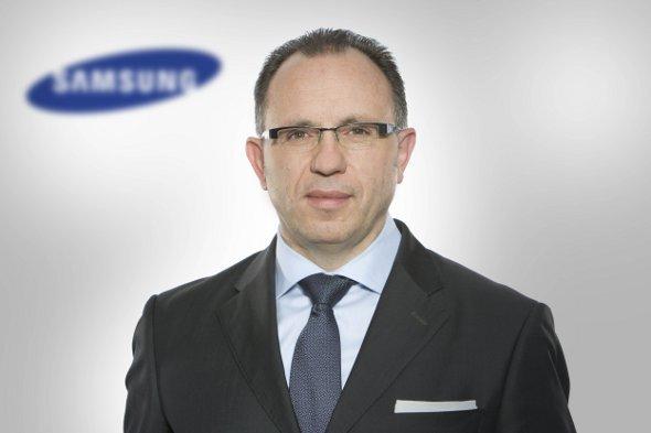 Roland Schweyer / Samsung IT Cluster auf der CeBIT 2012