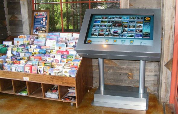 Mit dem ExploreBoard können sich Touristen etwa in der Hotel-Lobbyüber Einkaufsmöglichkeiten, Restaurants in der Nähe und Touristenattraktionen informieren.
