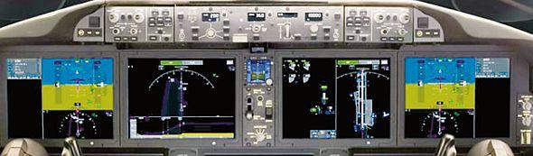 Cockpit der 787 - hier finden sich fünf Sharp-Displays (Foto: Boeing)