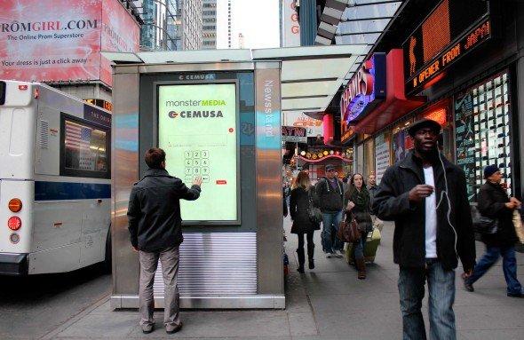 Start im April: Digitale Kioske von Monster Media und Cemusa am Times Square (Foto: Cemusa)