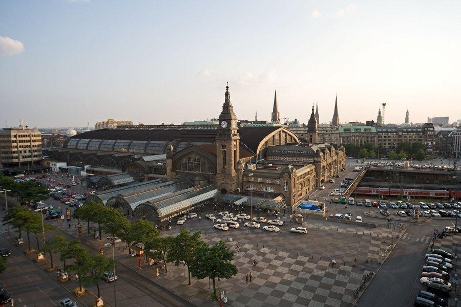 Herz der digitalen Ströer Stadt Hamburg: Hamburg Hbf (Foto:Deutsche Bahn AG)