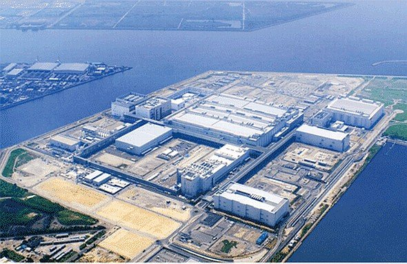 SDP-Anteile gehen nun doch nicht direkt an Foxconn: LCD-Produktionsstandort in Sakai (Foto: Sharp Corporation)
