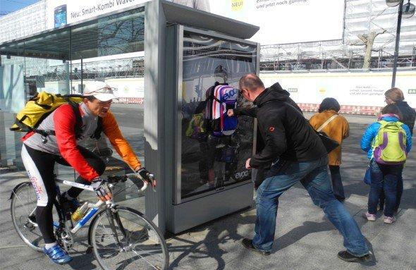Evoc-Rucksack muss Schläge einstecken (Foto: Wall AG)
