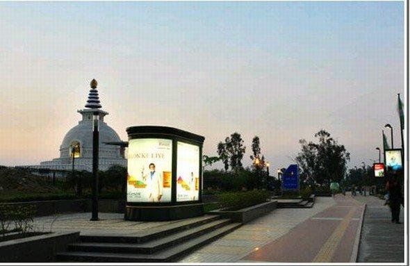 JCDecaux India modernisiert in Delhi 319 vorhandene Buswartehallen und baut 100 weitere Wartehallen mit Werbeflächen auf. (Foto: JCDecaux India)