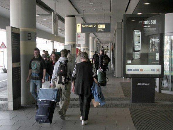 Seit 2006 exklusives Terrain für JCDecaux: City Light Poster am Hamburg Airport (Foto: JCDecaux)