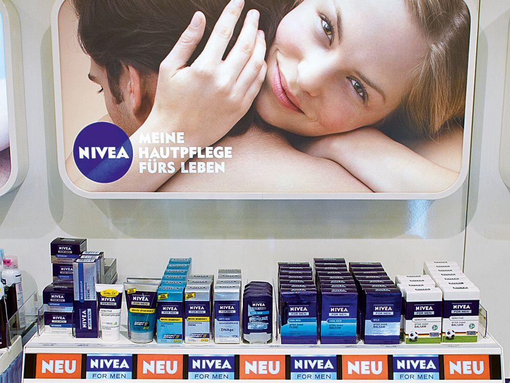 Nivea setzt auf digitale Regal-Displays (Foto: Nivea /invidis)