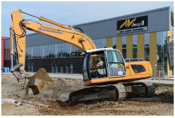 Baggern für die Zukunft: Baubeginn war im Juli 2012 (Foto: AV Stumpfl)