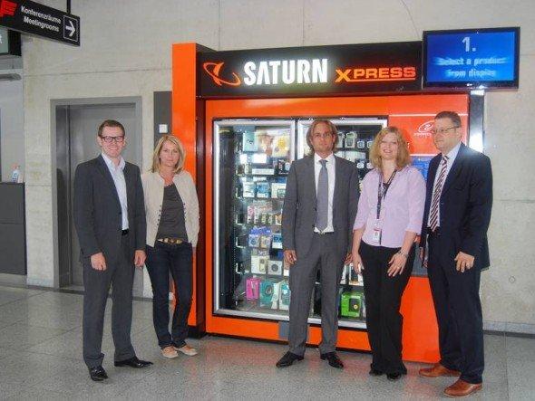 Auto-Matisierung: Saturn und Flughafen Friedrichshafen GmbH (FFG) kooperieren (Foto: FFG)