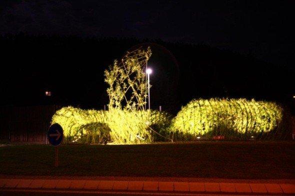 Verkehrssicher und schön - LED-Kreisel in der Provinz (Foto: euroLighting)