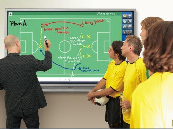 Nie wieder zweite Liga: Sharp zeigt auf der IFA ein neues Profi-Dashboard (Foto: Sharp)