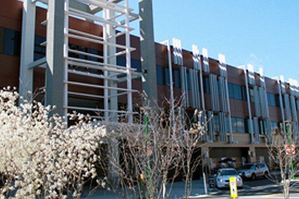 Der WESTMED-Standort Ridge Hill setzt auf Digital Signage (Foto: WESTMED Medical Group)