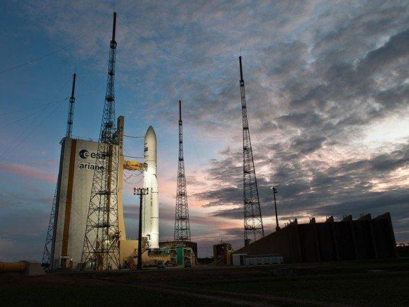 AEG MIS mag Schiene und Space - Der Ariane 5 Flug VA207 auf dem Raumbahnhof in Kourou (Foto: ESA/CNES/Arianespace/Optique Video du CSG)