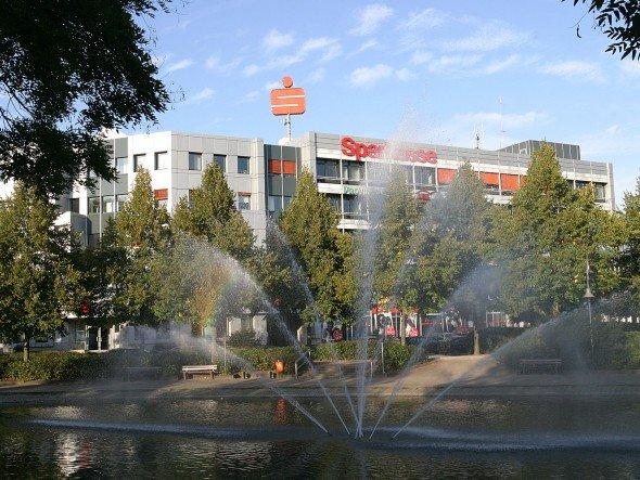 Sparkasse am Niederrhein - Hauptstelle am Ostring in 47441 Moers (Foto: Sparkasse am Niederrhein)