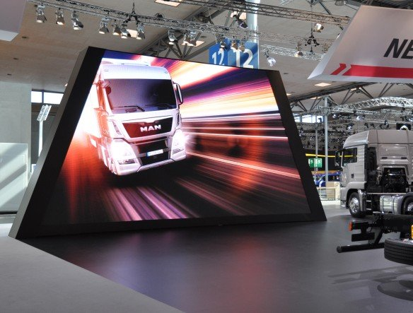 Weltpremiere auf der IAA Nutzfahrzeuge 2012 - MAN-Stand von ICT (Foto: ICT AG)