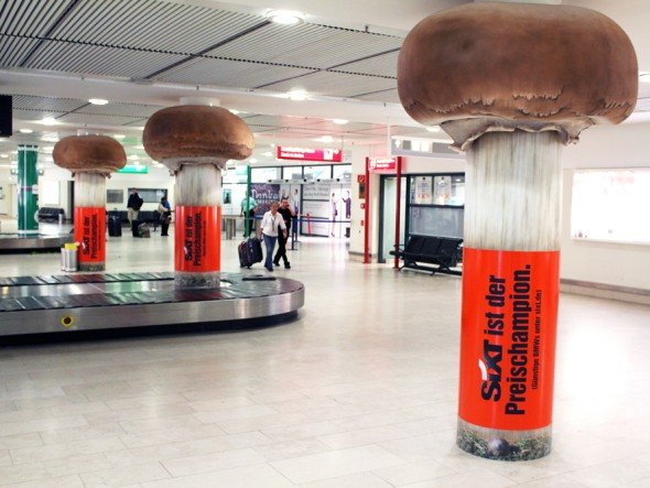 Sixt ist Champion mit Riesen-Champignons (Foto: Initiative Airport Media)