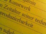 Scharf, aber unecht - Reproduktion eines Fotos eines Buches von Herrn Benjamin(Foto: Thomas Kletschke/ invidis.de)