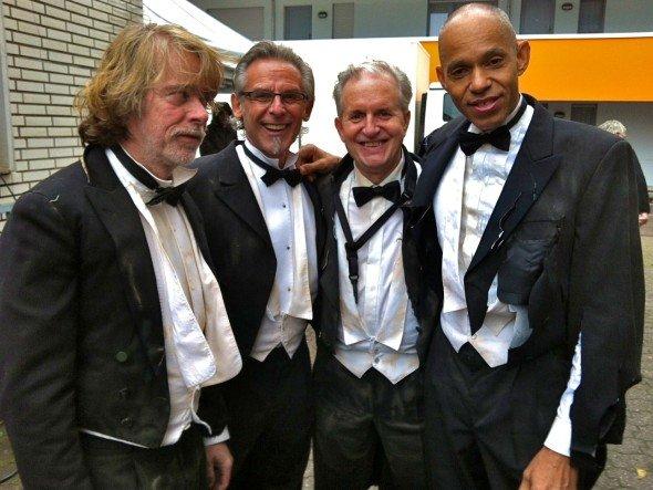 Zeigen es dem ZDF und spielen für die IFA auf - der Weltenretter samt Band (Foto: Helge Schneider/ meine Supermaus GmbH)