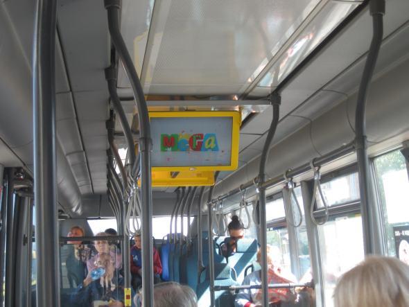 Kundenansprache auf dem Weg zum Ikea - MetroBus transportiert 1,2 Millionen Menschen (Foto: Scala)