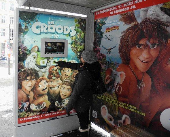 Digitale Bushaltestellen - Die Croods (Foto: Wall AG)
