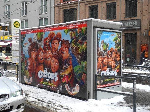 Wall AG - Die Croods im winterlichem Berlin (Foto: Wall AG)