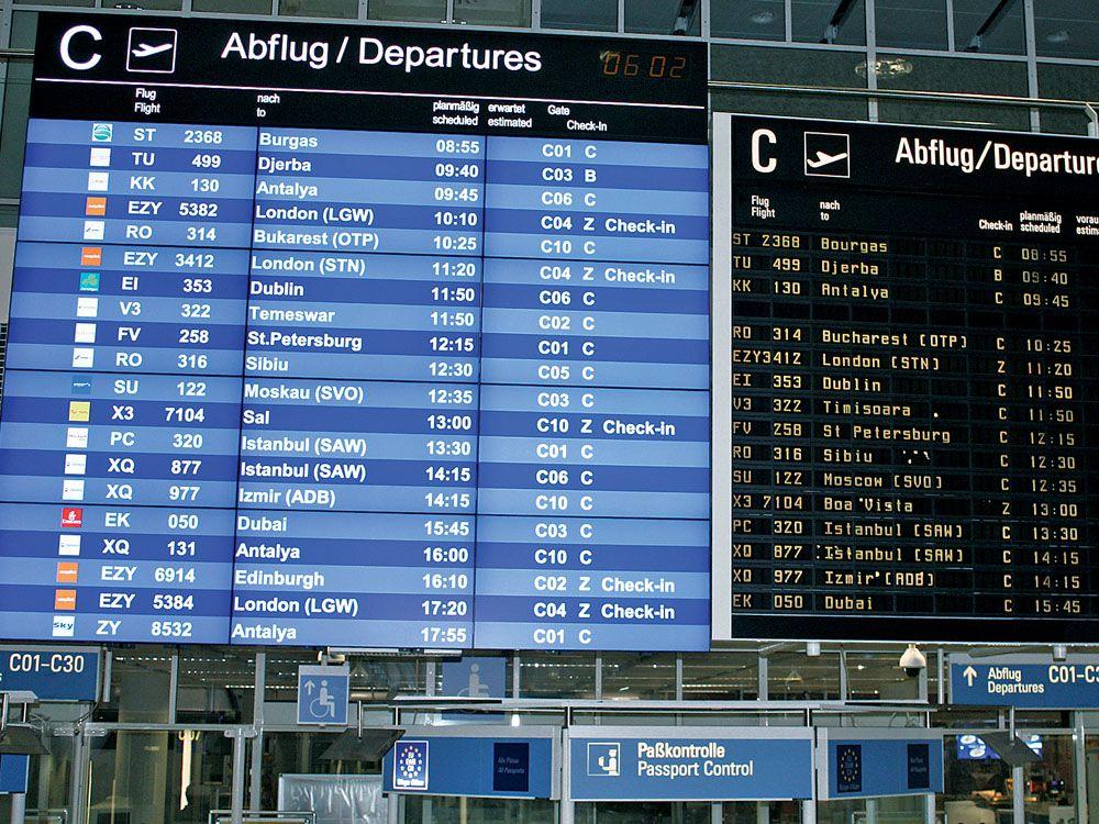 Moderne LCD-Bildschirme von NEC ersetzen an vielen Stellen des Münchner Flughafens die alten LED-Wände