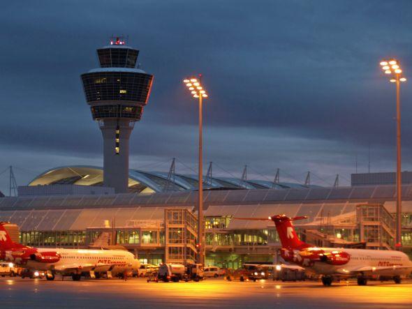 Am Airport in München wurden zwei Siegerkampagnen ins rechte Licht gesetzt (Foto: Flughafen München GmbH)