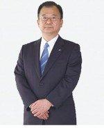 Ein Glas Sake dürfte es ihm mindestens wert gewesen sein - Sharp-Präsident Takashi Okuda konnte den Deal mit Samsung verkünden  (Foto: Sharp)