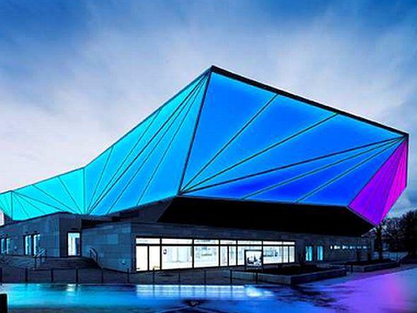Anwendung Architektur - mit LED veredelte Außenfassade (Foto: Osram)