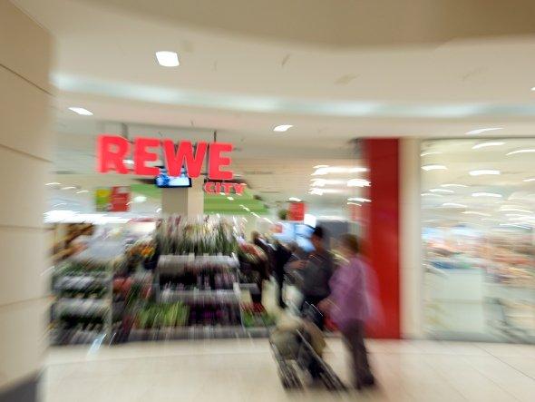 Rewe ist ist vor Ort und auf anderen Kanälen unterwegs (Foto: Rewe Group)