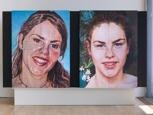 Ausstellung mit Werken von Sigrid Redhardt: LED Cubes im Einsatz (Foto: Mitsubishi Electric)