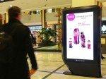 In der Mall und am Bahnhof wollen Kunden mit den Marken interagieren (Foto: Clear Channel)