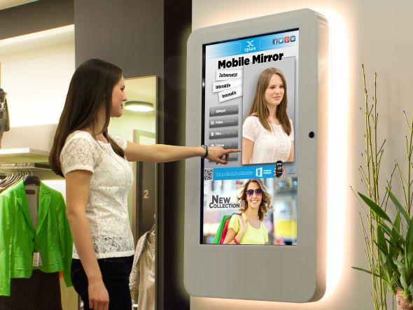 Angenehmer Nebeneffekt: die ganz jungen Alten jenseits der 40 mögen den Mobile Mirror ebenfalls (Foto: xplace)