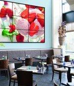 Der Blickfang im Café ist mit einem auf SoC maßgeschneiderten CMS ansteuerbar (Foto: Adversign Media)