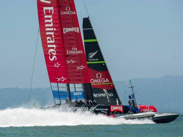 Auf dem Wasser vorne dabei - an Land mit Digital Signage-Playern von BrightSign ausgestattet: ETNZ (Foto: Emirates Team New Zealand)