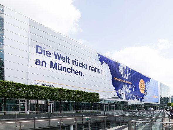 Zusammenge(d)rückt: 3000m² Poster (Foto: Flughafen Muenchen GmbH/ Thomas Effinger)