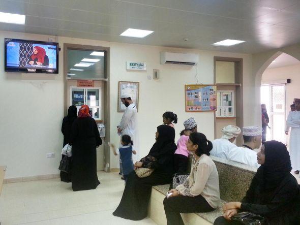 In Gesundheitszentren und Kliniken des Oman startete 2013 das nationale Gesundheits-TV (Foto: Anzyma)