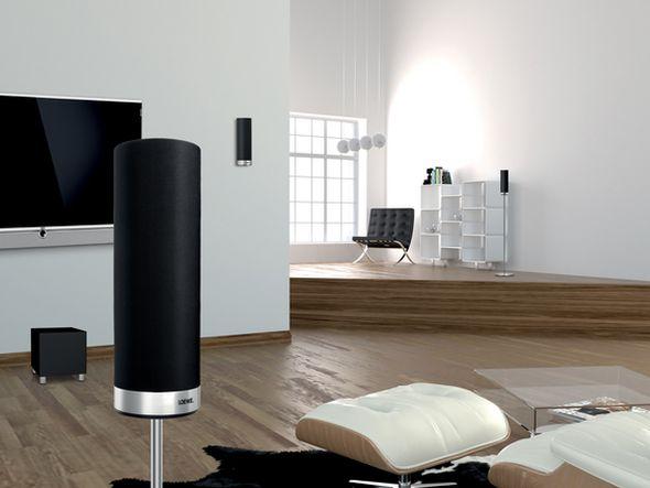 Smart TV-Kombination aus Kronach erhält EISA Award Best Product 2013-2014 in der Kategorie 'European Home Theater Solution' (Foto: Loewe)