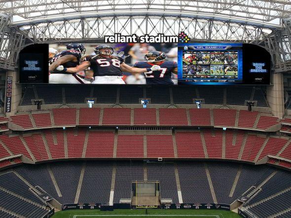 Haben Premiere im Stadion der Houston Texans: zwei große Diamond Vision-Displays (Foto: Mitsubishi Electric)