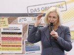 Diskussion vor Schwarzem Brett (Foto: heinekingmedia)