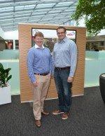 Der bisherige Sales Manager Digital Signage/ Teamleader Philipp Jaeggli (l.) und sein Nachfolger Daniel Rempfler (Foto: Bison IT)