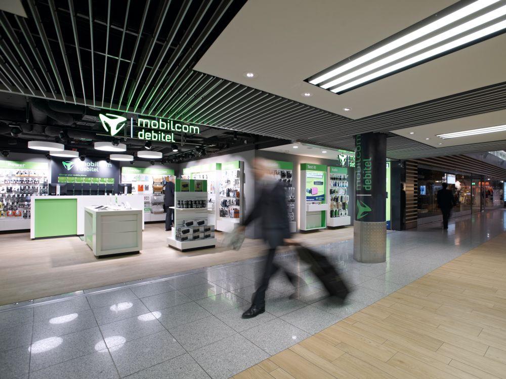 Maßgeschneidert: neuer Shop von mobilcom-debitel am Düsseldorfer Flughafen (Foto: mobilcom-debitel)