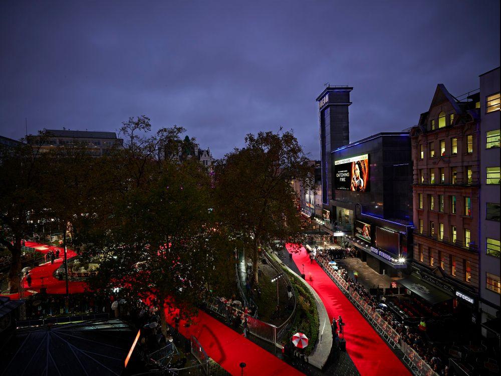 LED-Triple am Leicester Square: das Odeon setzt auf eine große Video Wall (Foto: NEC)