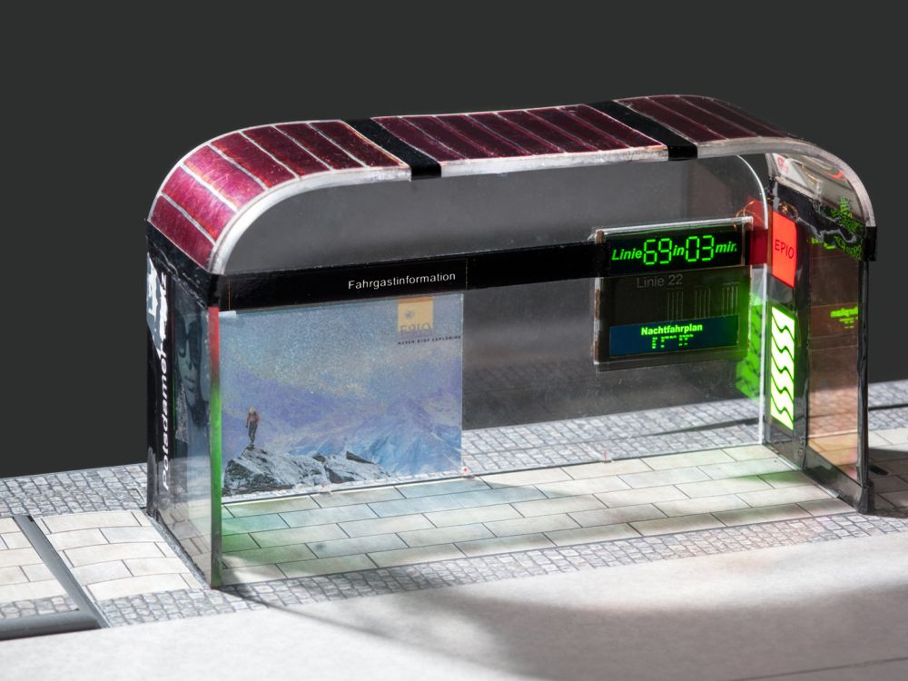 Haltestellen könnten in naher Zukuft mit OLED ausgestattet werden (Foto: Fraunhofer IAP / Till Budde)