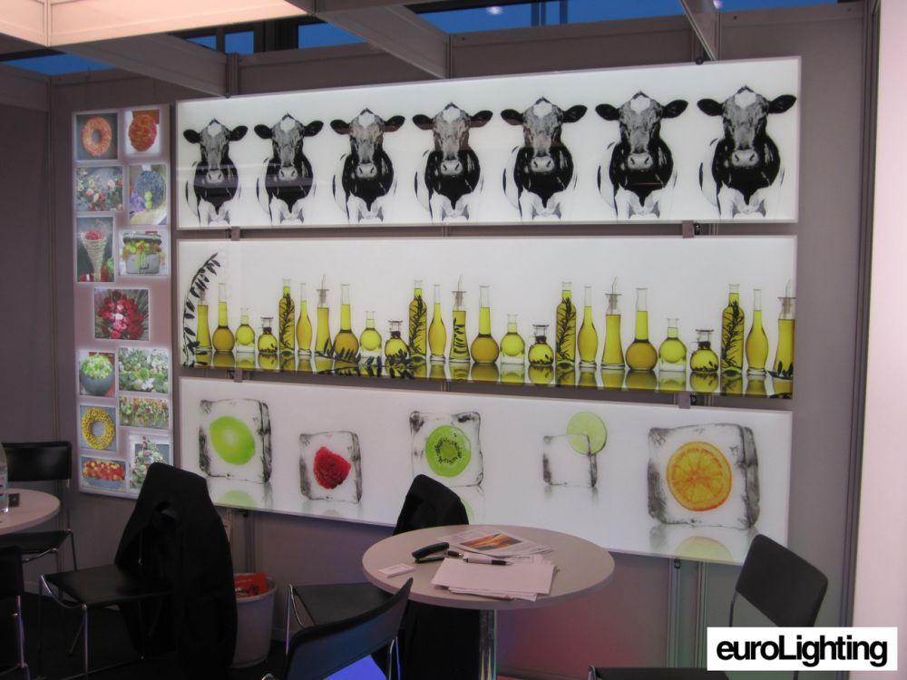 ECOXBOARDs: Die LED-Flächenleuchten. schaffen eine Ausleuchtung in allen RGB und Lichtfarben (Foto: euroLighting)