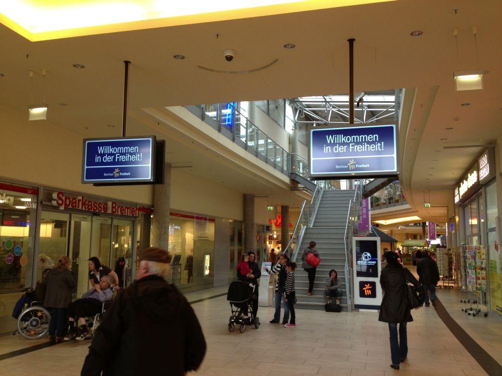 Shopping Mall Berliner Freiheit: Insgesamt 28 Displays sowie 3 Stelen gehören zum Netz (Foto: ISS)