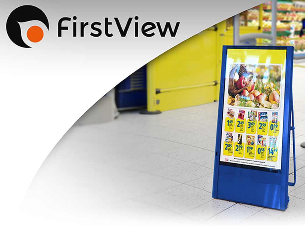 Anbindung über 3G oder 4G - der Digital Poster Stand von FirstView (Foto: FirstView)
