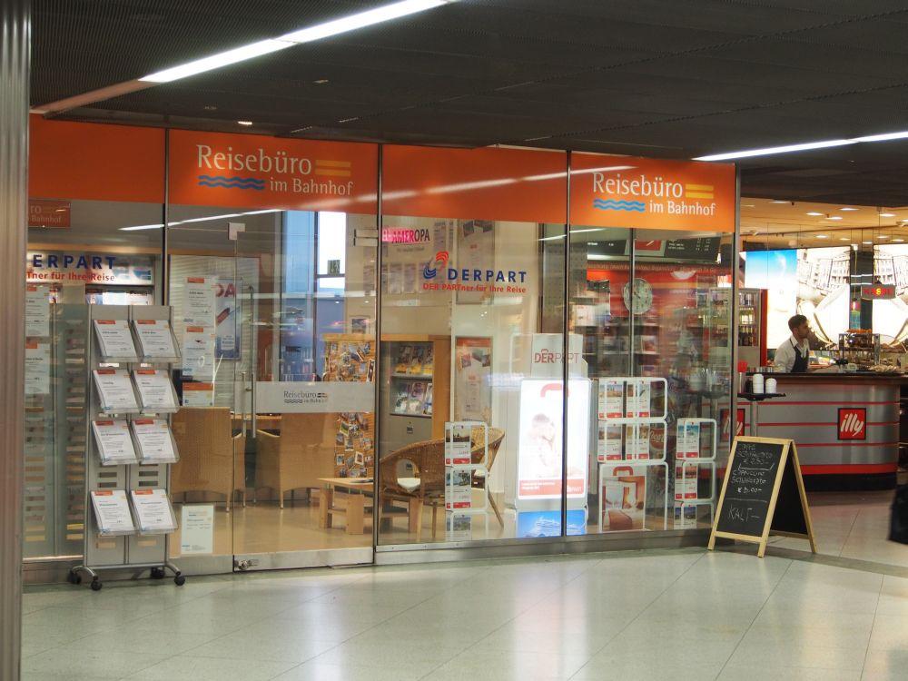 Außenansicht des Reisebüro im Ostbahnhof München