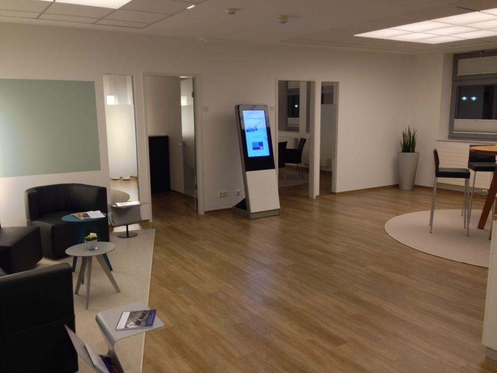 Moderner und ansprechender: das Immobiliencenter der Volksbank Jever (Foto: NCR)
