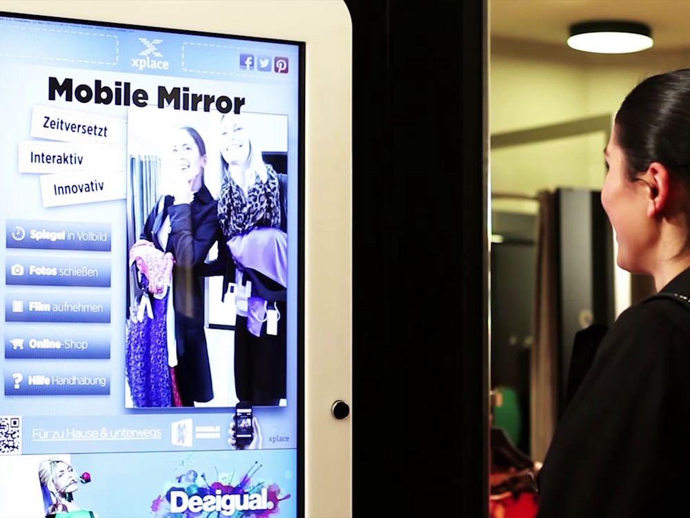 Mobile Mirror in einem Fashion-Geschäft (Foto: xplace)